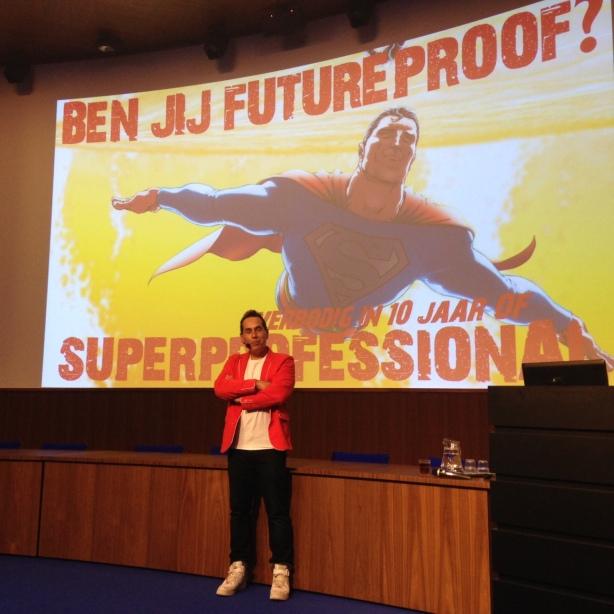 Marcel op Ministerie Binnenlandse Zaken voor een presentatie over de toekomst